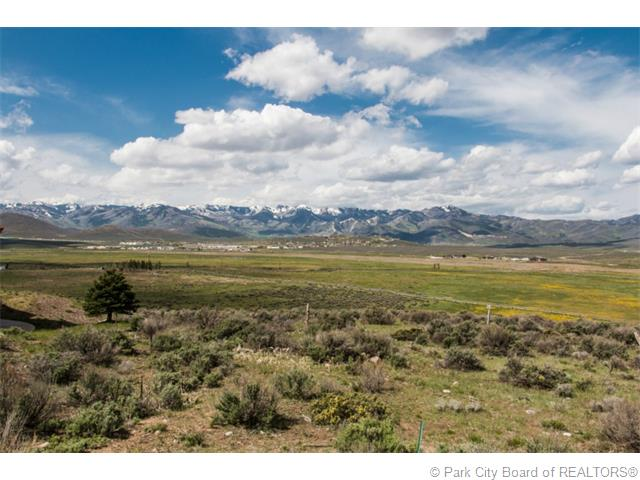 A beautiful lot for sale in Promontory