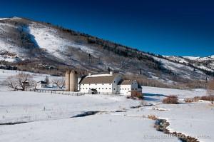 Barn in Winter2
